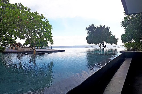 The infinity pool near the reception