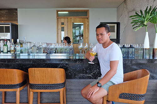 At the Bar counter of Tomar