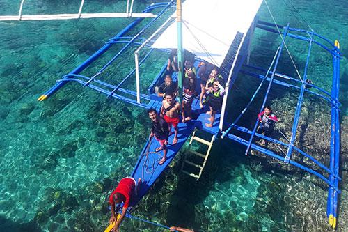 Docking at Pescador Island