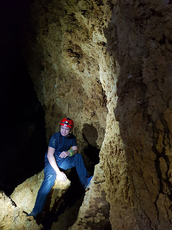 Ian Limpangog near the dead end of Lower Langun Cave
