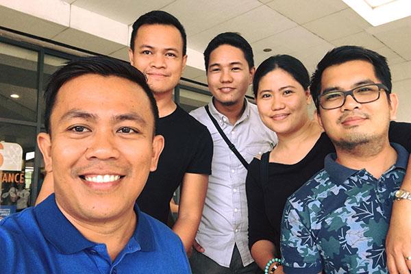 With some of the good friends (Guada Cuizon, Elmer Cuizon, Ram Kuizon, and Leylan Romarate).