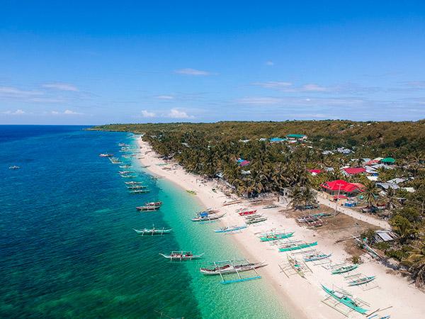 Bitoon Beach, Kinatarcan Island