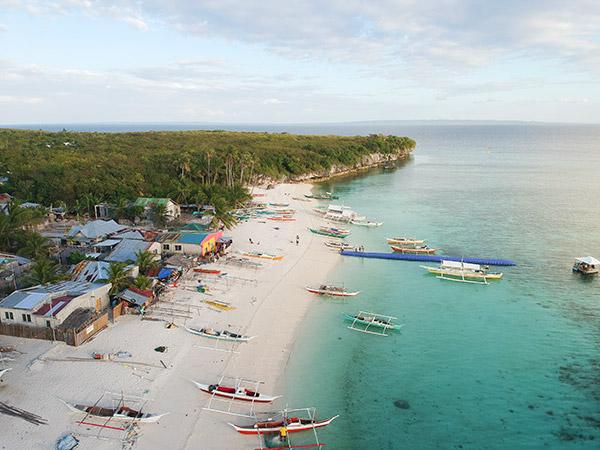 Langub Beach, Kinatarcan Island