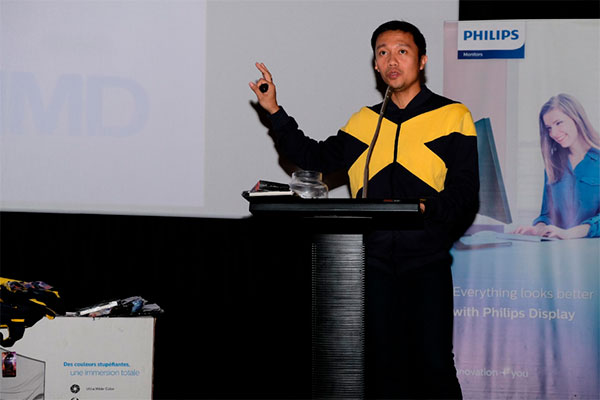 Jack Salamia, Philips Monitors Marketing Manager for the Philippines