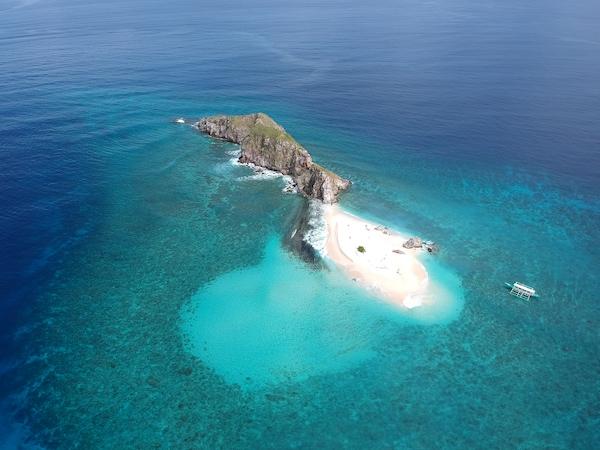 The stunning Malpagalen Island in Coron Palawan