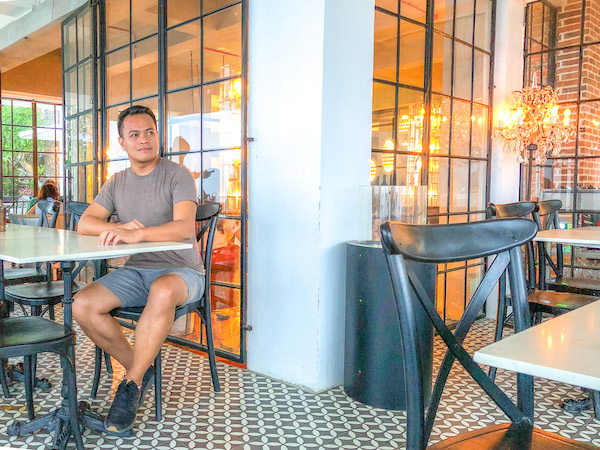 Ian Limpangog at La Vie in the Sky, Cebu City
