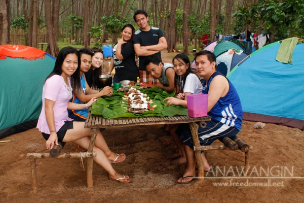 A Sumptous Boodle Fight