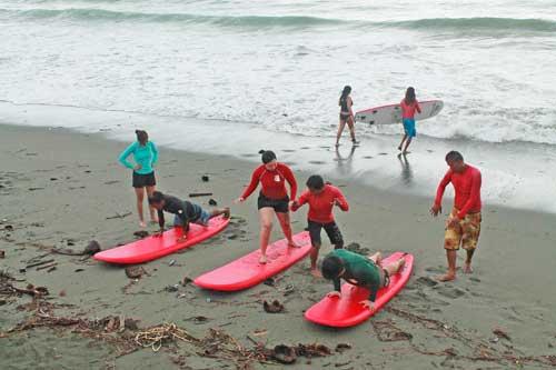 Baler Surf lessons