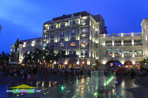 The Plaza Hotel, stunning at night