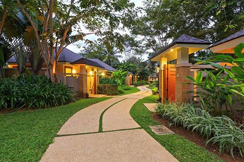Amorita Resort Walkway