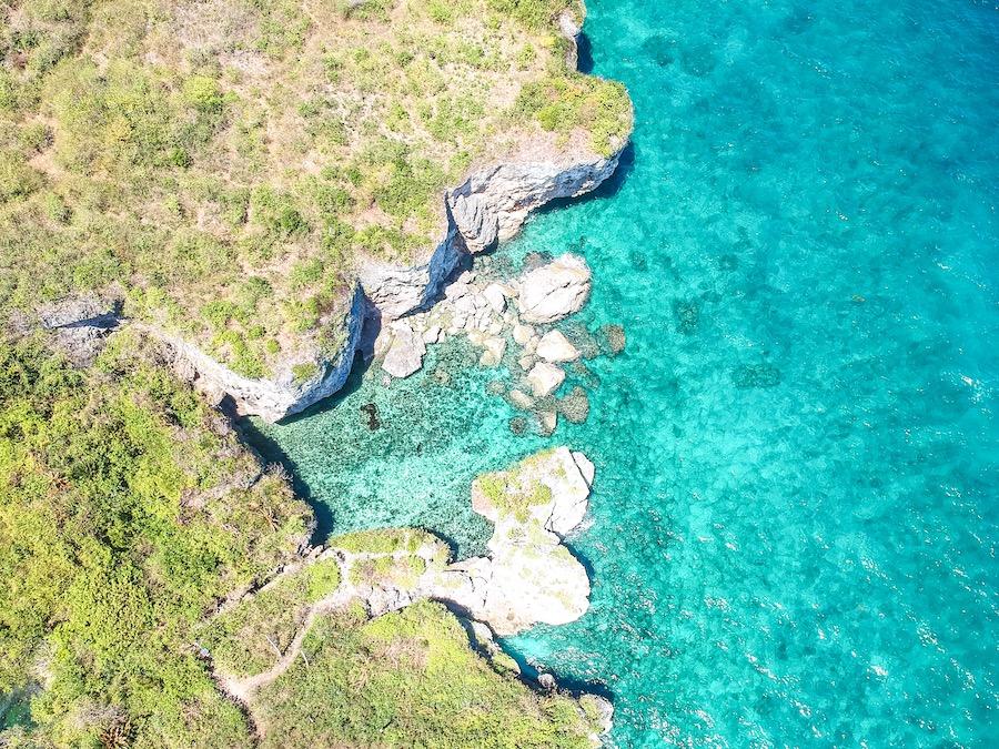 Gateway to Laaw Lagoon in Kinatarcan Island